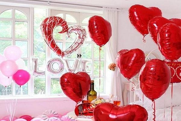 Heart Shape Balloon Decoration
